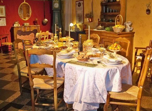 Tradition De Noel Une tradition de Noel en Provence: les 13 desserts!   Vive La France